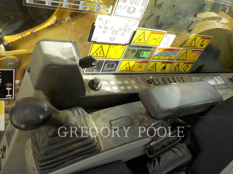 CATERPILLAR TRACK EXCAVATORS 349E L equipment  photo 24