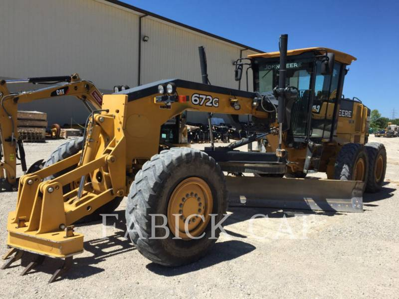 DEERE & CO. MOTOR GRADERS 672G equipment  photo 3
