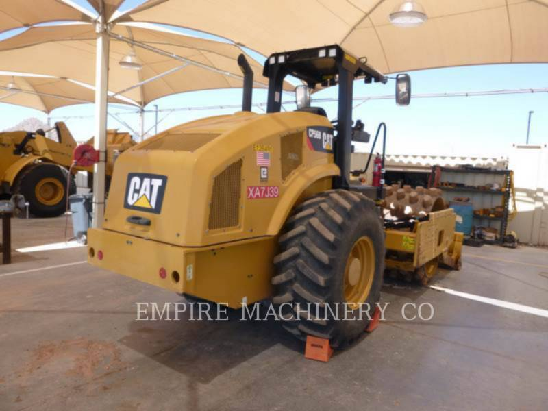 CATERPILLAR COMPACTEUR VIBRANT, MONOCYLINDRE À PIEDS DAMEURS CP56B equipment  photo 2