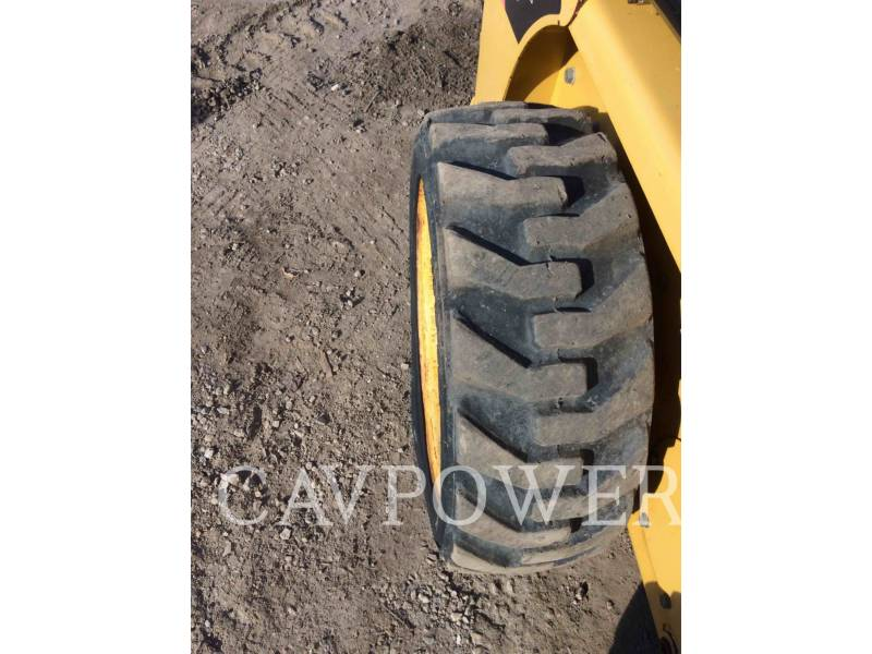 CATERPILLAR SKID STEER LOADERS 226B2 equipment  photo 15