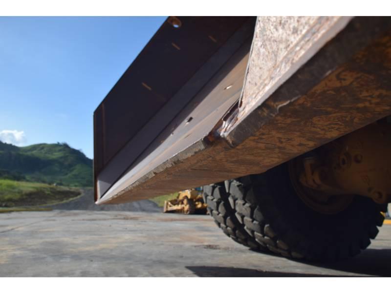 CATERPILLAR 鉱業用ダンプ・トラック 773 G equipment  photo 18