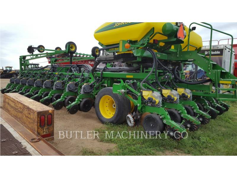 DEERE & CO. PLANTING EQUIPMENT DB60 equipment  photo 6