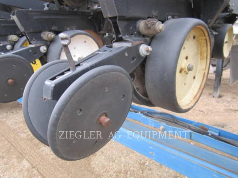 KINZE PLANTING EQUIPMENT 2300 equipment  photo 2
