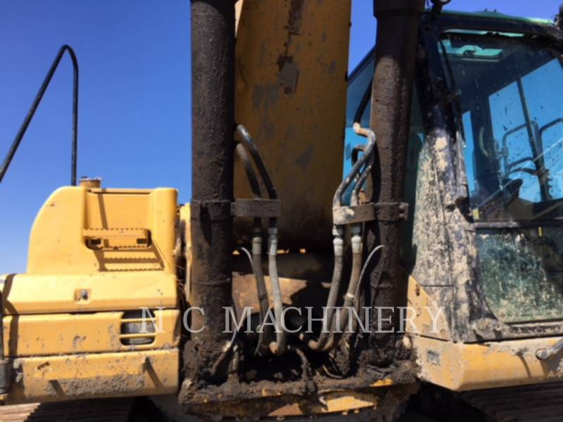 CATERPILLAR EXCAVADORAS DE CADENAS 330D equipment  photo 4