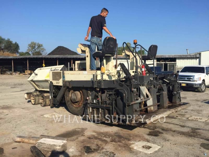 BLAW KNOX / INGERSOLL-RAND ASPHALT PAVERS PF3200 equipment  photo 3