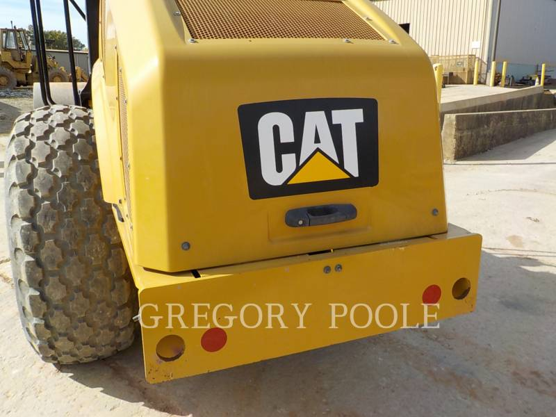 CATERPILLAR VIBRATORY SINGLE DRUM SMOOTH CS-54B equipment  photo 14
