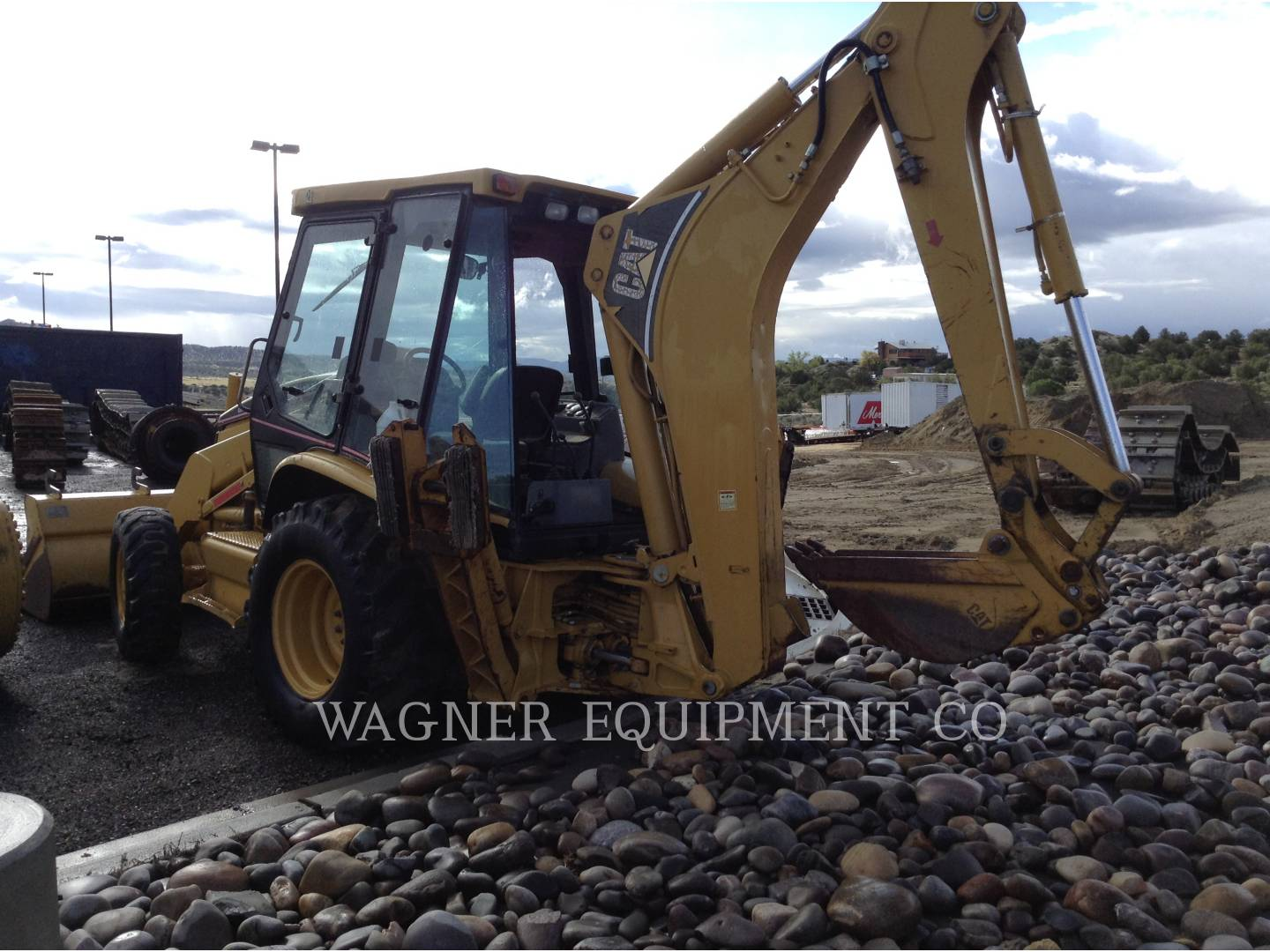 Detail photo of 2000 Caterpillar 426C from Construction Equipment Guide