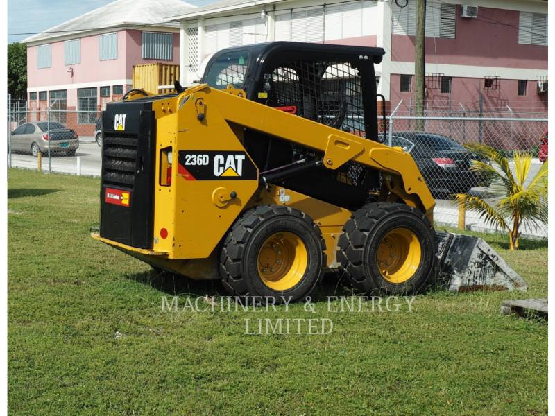 CATERPILLAR CHARGEURS COMPACTS RIGIDES 236 D equipment  photo 1
