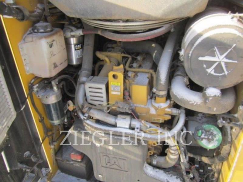 CATERPILLAR CHARGEURS TOUT TERRAIN 257D equipment  photo 6