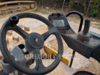 CATERPILLAR VIBRATORY SINGLE DRUM PAD CP-54B equipment  photo 24