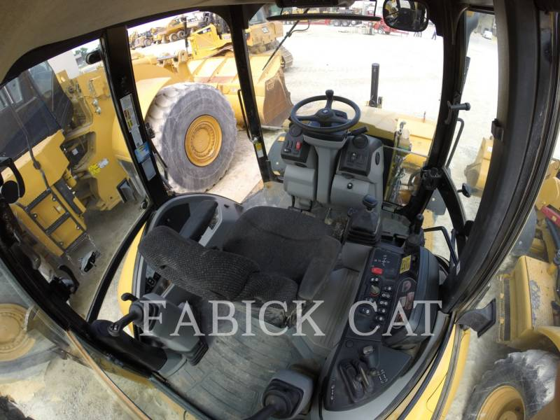 CATERPILLAR BACKHOE LOADERS 420F HT equipment  photo 2