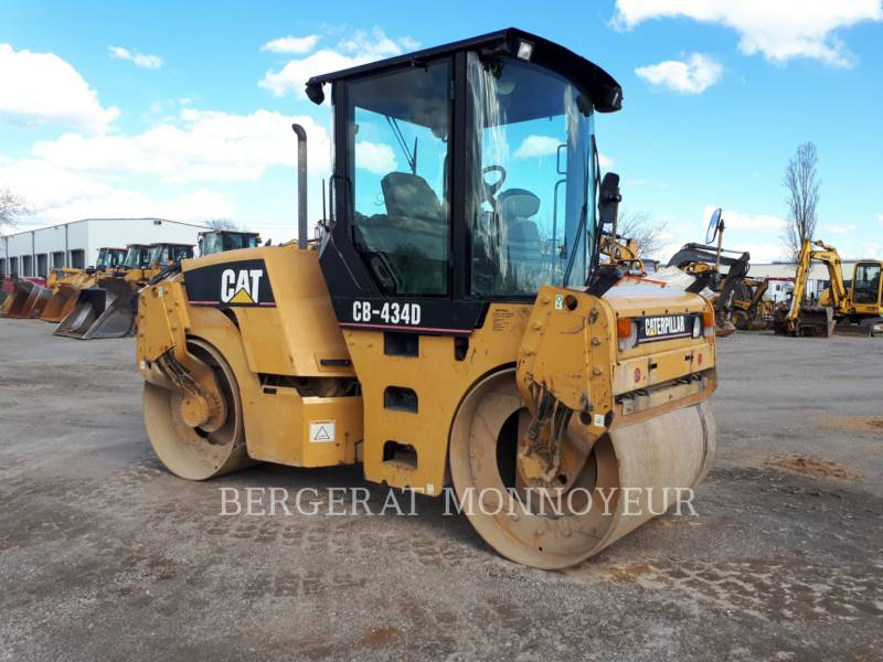 CATERPILLAR COMPACTEURS TANDEMS VIBRANTS CB-434D equipment  photo 2
