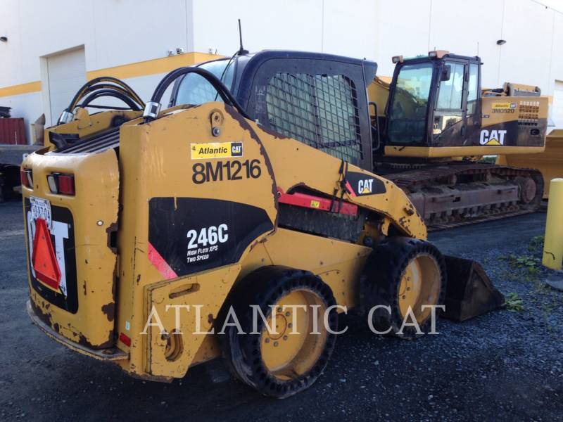 CATERPILLAR MINICARGADORAS 246C equipment  photo 2