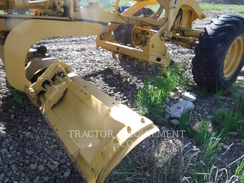 CATERPILLAR NIVELEUSES 135H equipment  photo 13