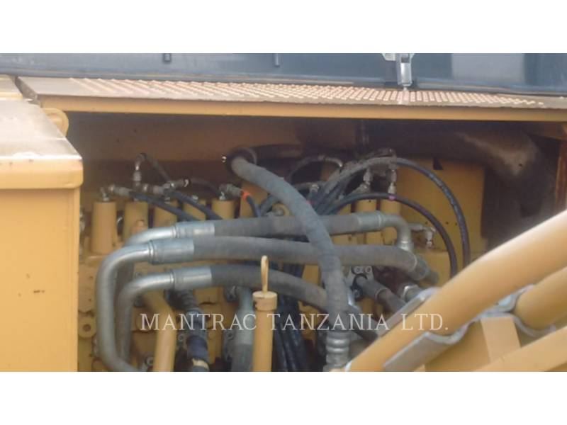 CATERPILLAR ESCAVADEIRAS 320 D equipment  photo 6