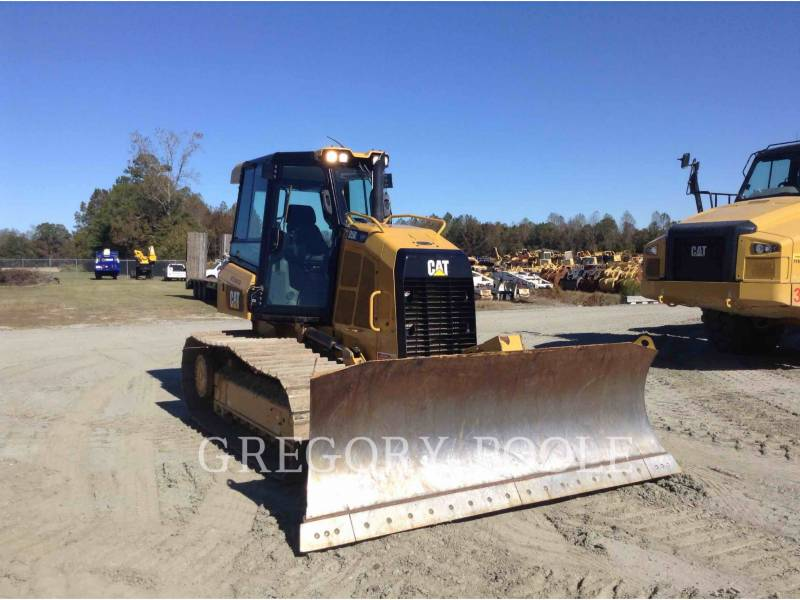 CATERPILLAR TRACK TYPE TRACTORS D5 LGP equipment  photo 3