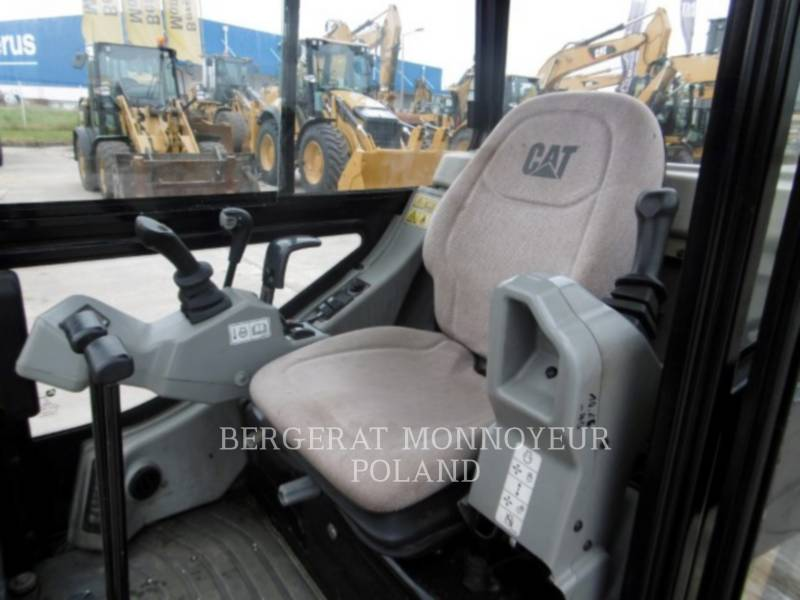 Caterpillar EXCAVATOARE PE ŞENILE 301.8C equipment  photo 6