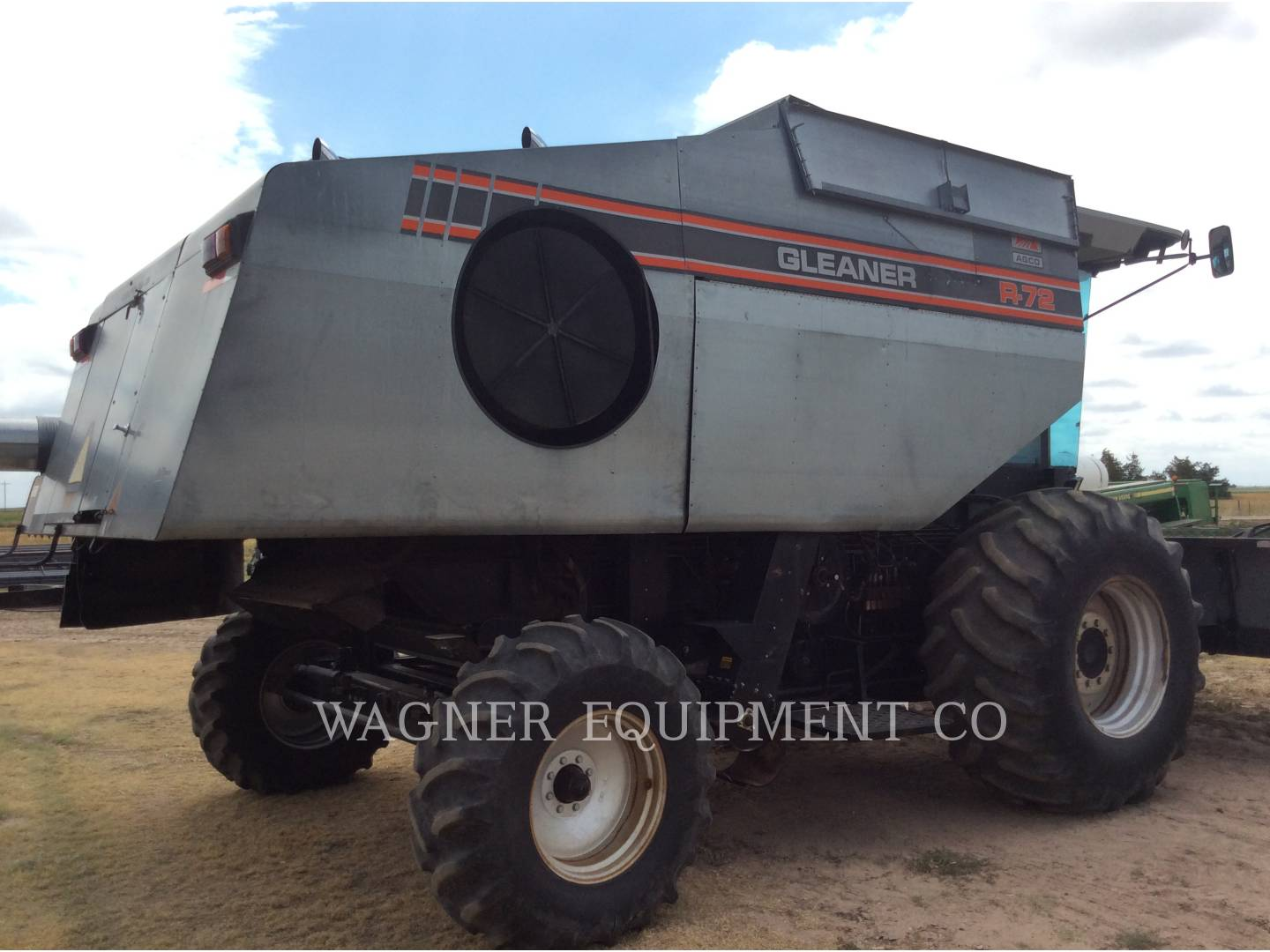 Detail photo of 1993 Gleaner R72 from Construction Equipment Guide