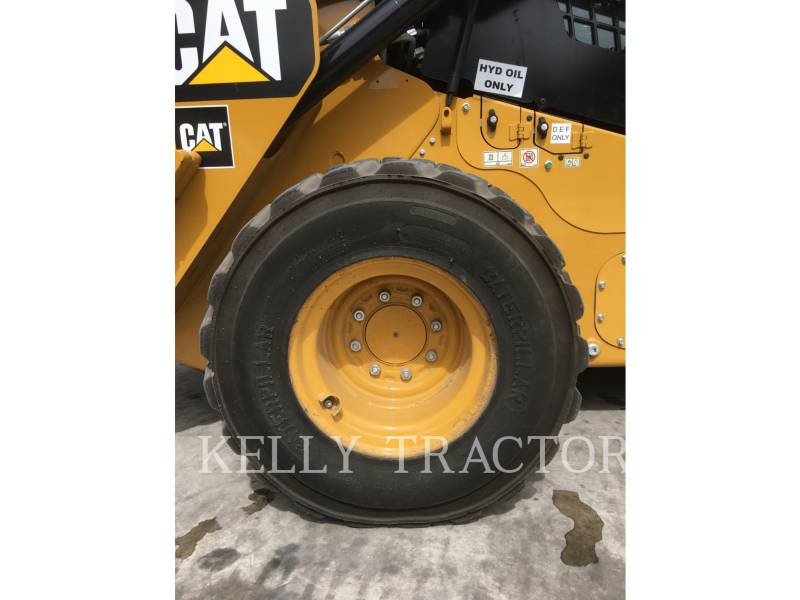 CATERPILLAR SKID STEER LOADERS 272D2 equipment  photo 15