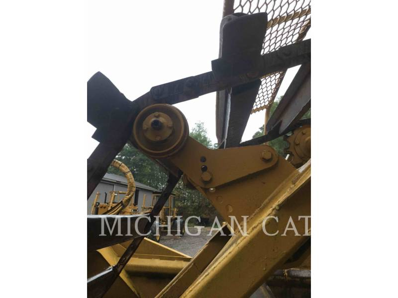 CATERPILLAR WHEEL TRACTOR SCRAPERS 613C equipment  photo 12