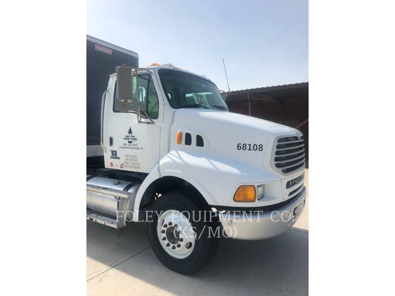 STERLING ON HIGHWAY TRUCKS L8500 equipment  photo 2