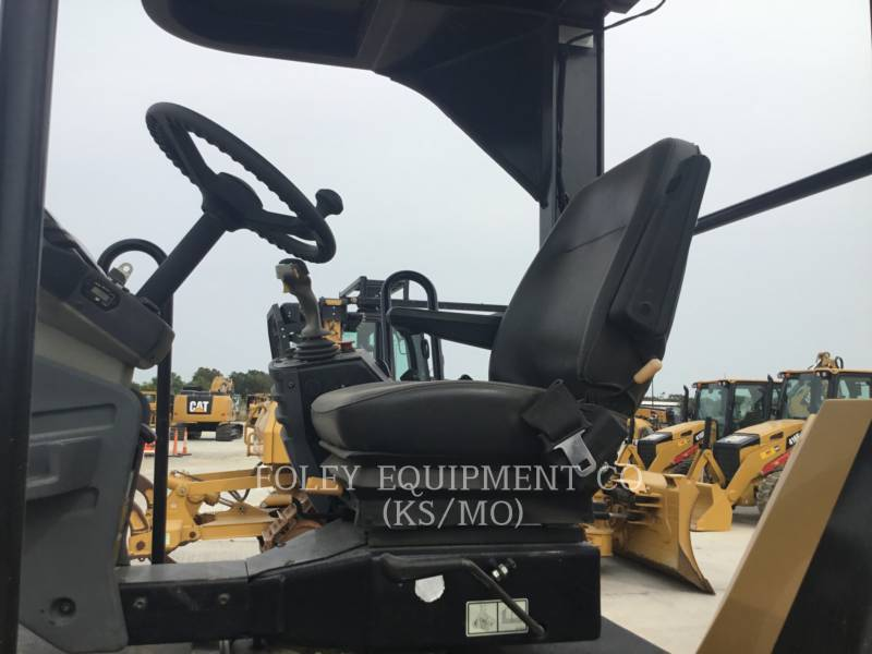 CATERPILLAR VIBRATORY DOUBLE DRUM ASPHALT CB54 equipment  photo 5
