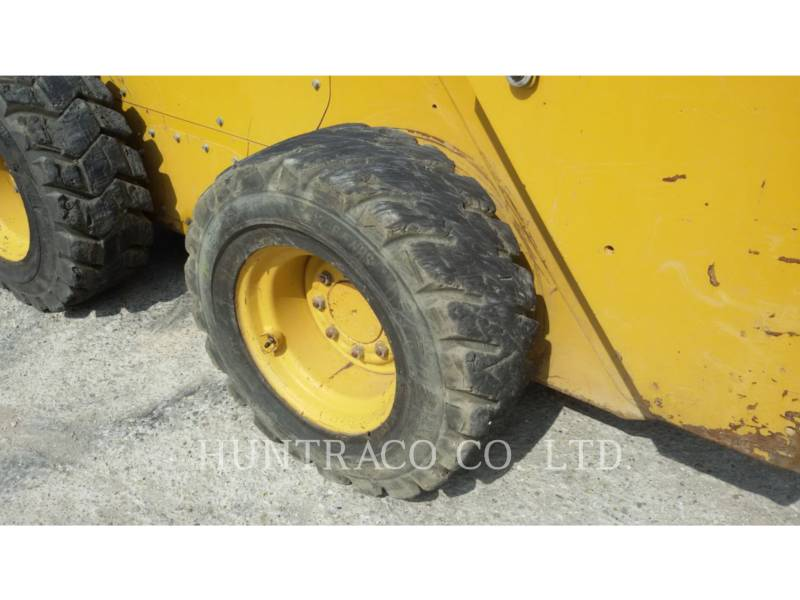 CATERPILLAR PALE COMPATTE SKID STEER 246 D equipment  photo 9