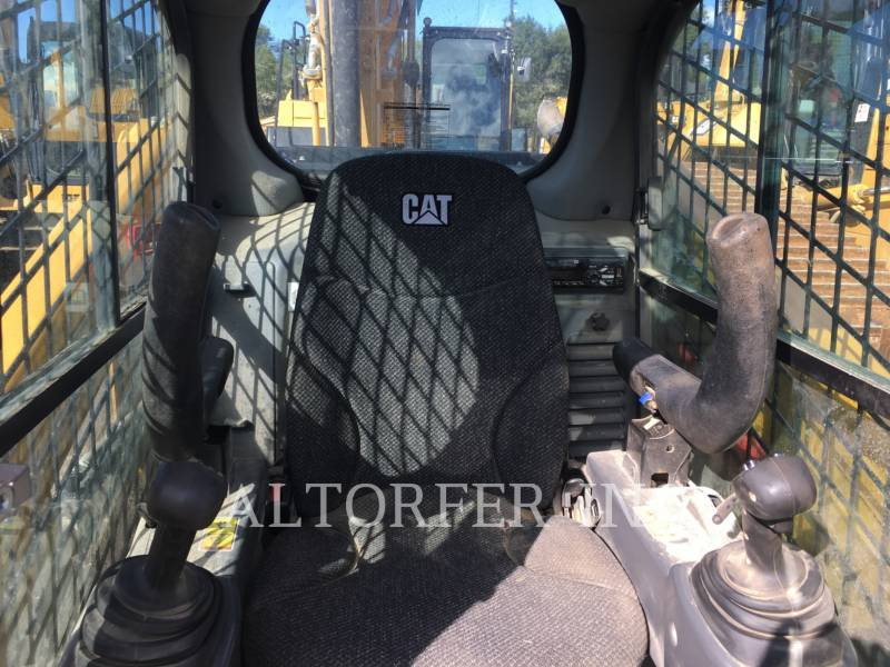 CATERPILLAR SKID STEER LOADERS 279D equipment  photo 7