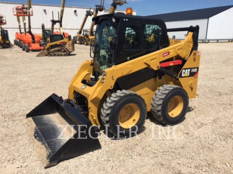CATERPILLAR MINICARGADORAS 242DSR equipment  photo 1