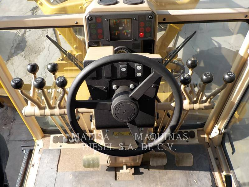 CATERPILLAR MOTONIVELADORAS 120K equipment  photo 10