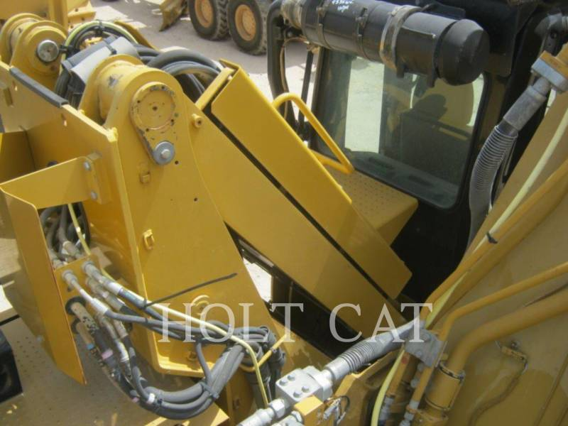CATERPILLAR PELLES SUR CHAINES 330DMH equipment  photo 13