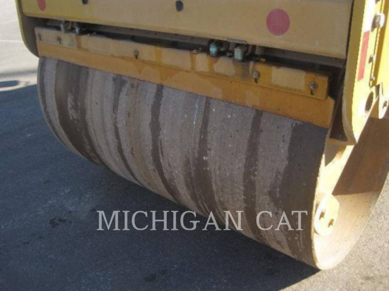 CATERPILLAR VIBRATORY DOUBLE DRUM ASPHALT CD54 equipment  photo 5