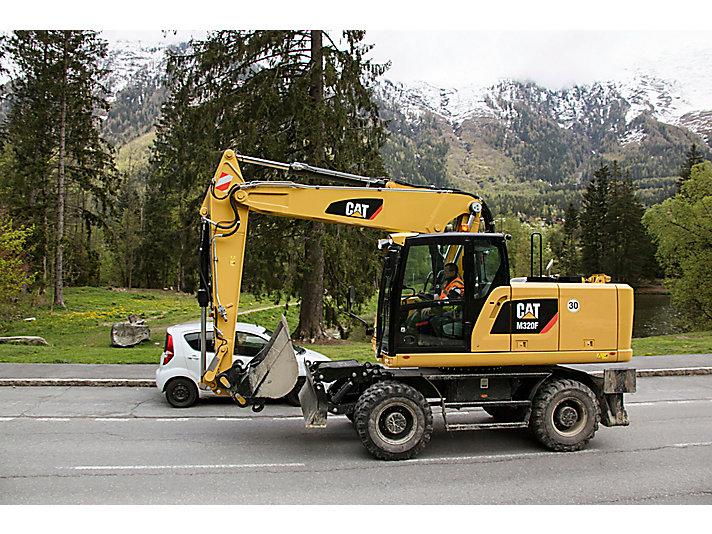 Escavatore gommato M320F