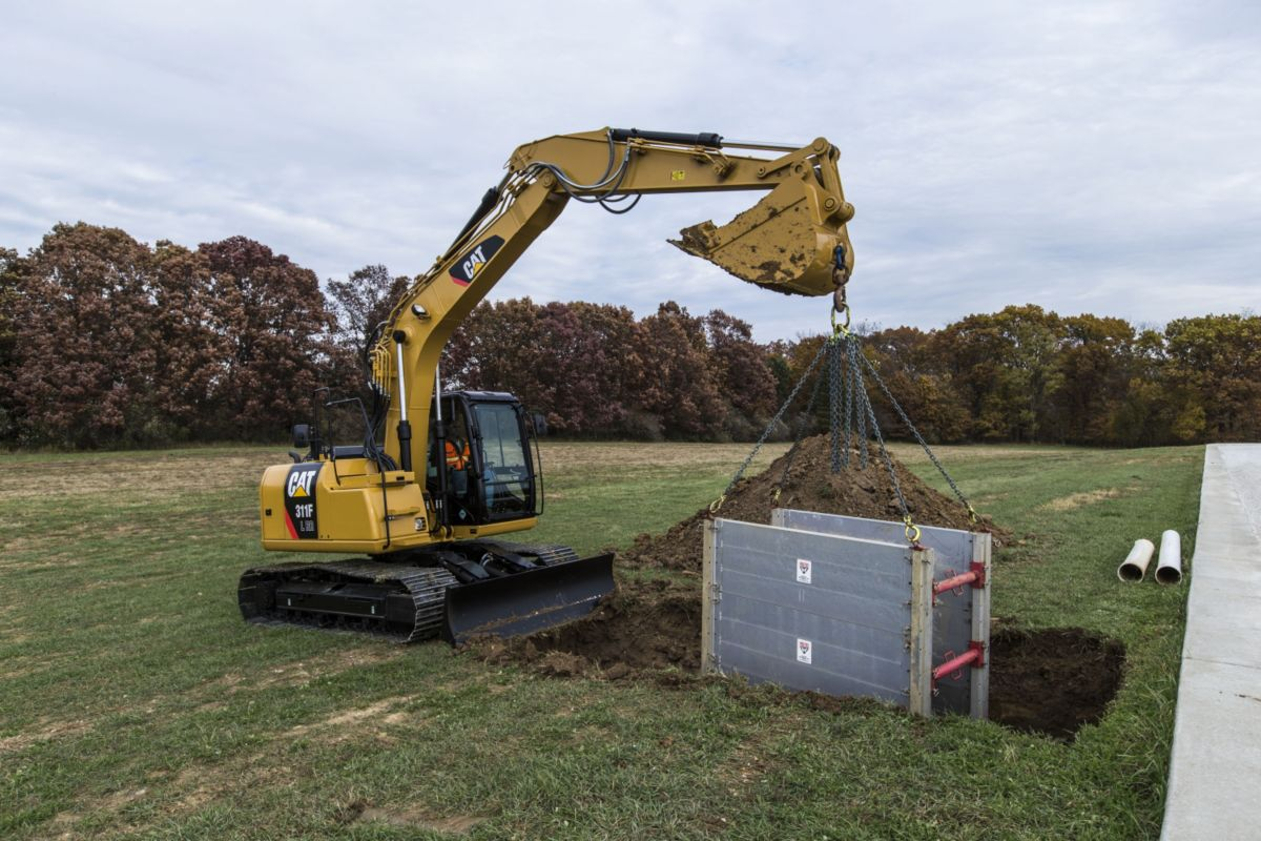 cat new cat 311f lrr excavator saves fuel delivers performance