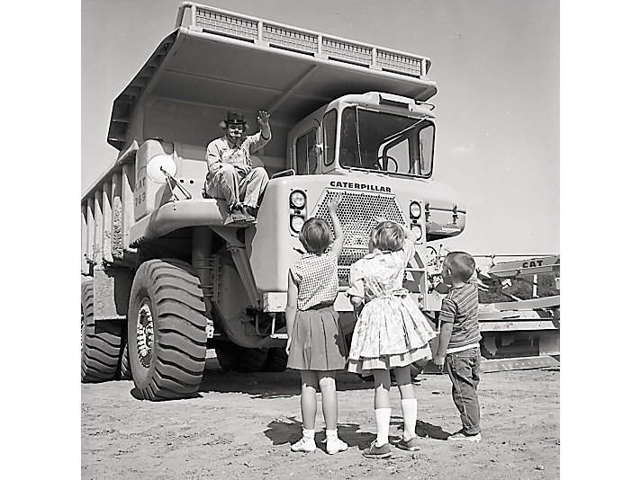 Toby waves to children in 1964