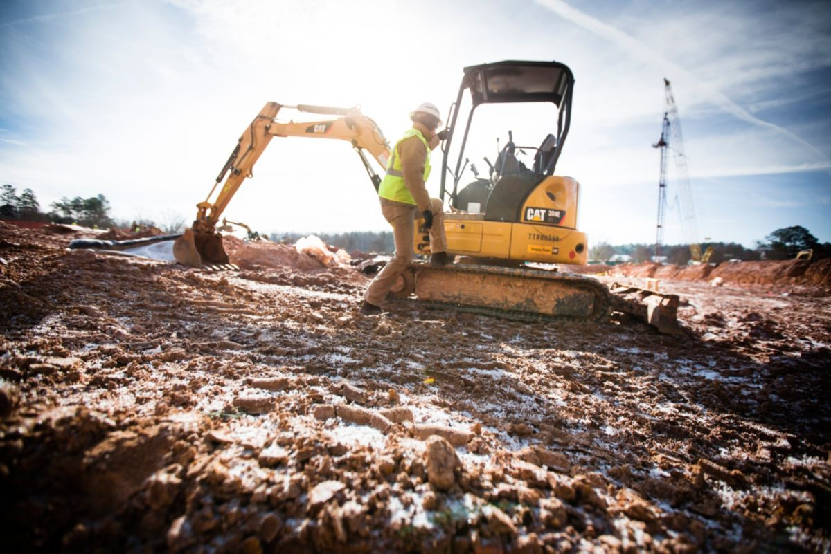 Working with his local Cat® dealer, Gregory Poole Equipment, Parvin built a small fleet of versatile and dependable Cat Skid Steer Loaders, Mini Excavators and other machines.