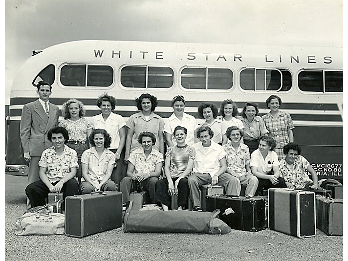 1947 Dieselettes travel photo. The team traveled mostly by train or bus all over the United States.