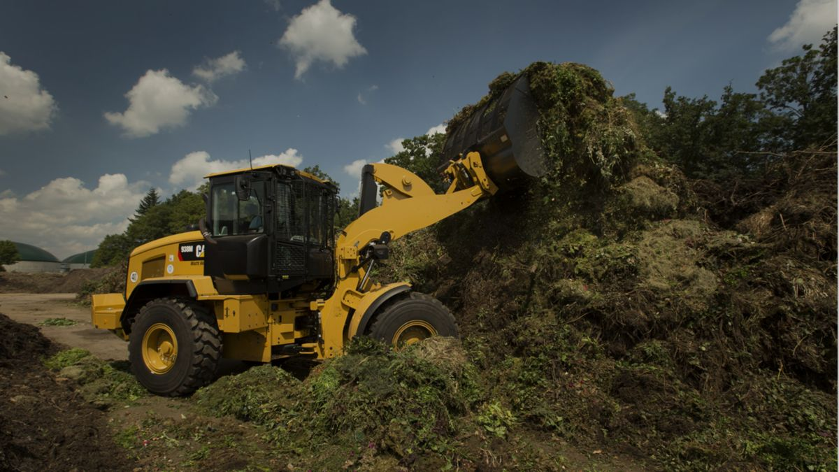 Cat® 926M, 930M and 938M Small Wheel Loaders At Work