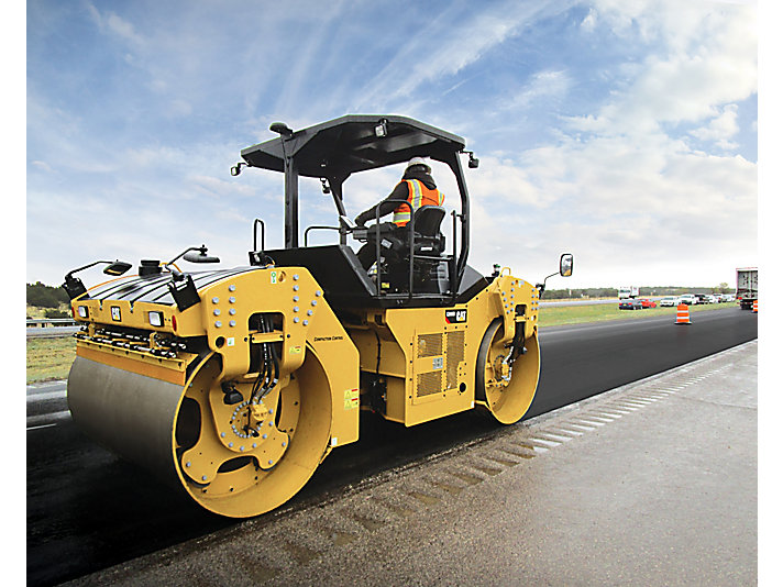 CB66B Tandem Vibratory Roller