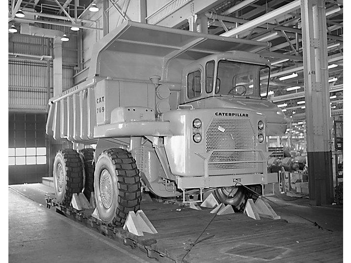卡特彼勒推出的第一款矿用自卸车769