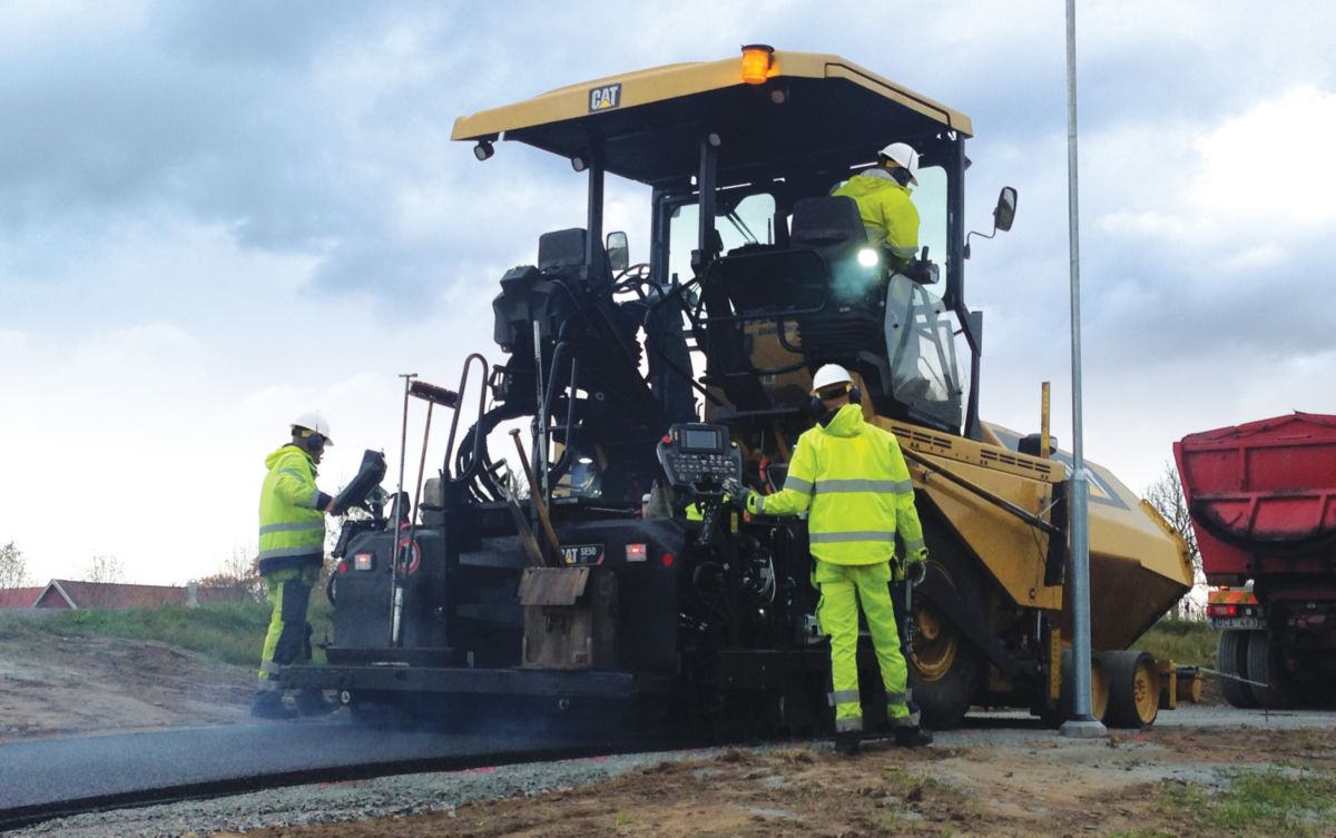 On Wheels or Tracks, New Cat F Series Pavers Boost Efficiency & Operator Comfort