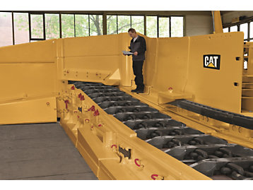 Cat armored face conveyor for longwall mining