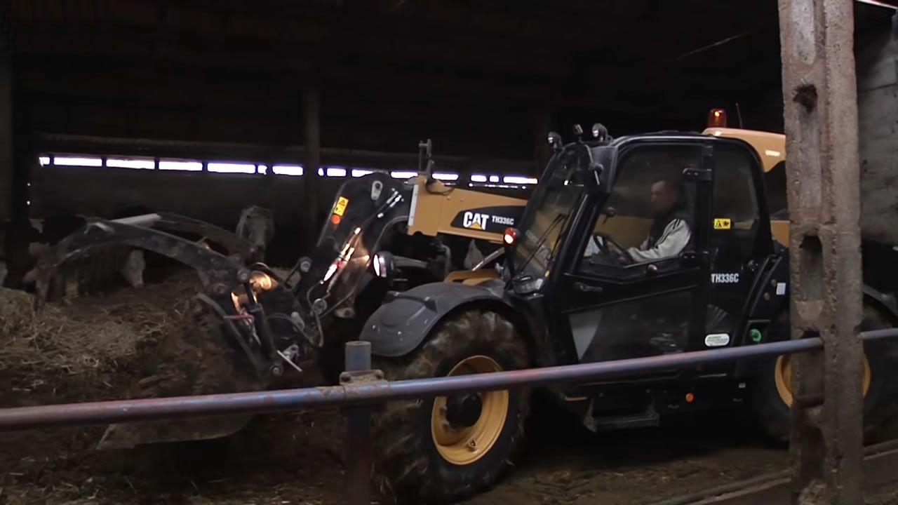 Rolnicza ładowarka marki CAT
