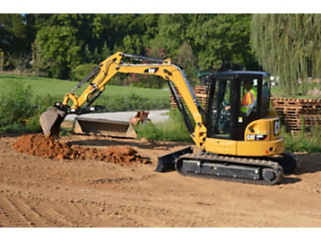 Robbie Toole, president of Volunteer Erosion Control in Knoxville, Tennessee, purchased this 305E2 CR Mini Hydraulic Excavator in 2005 for his erosion control business.