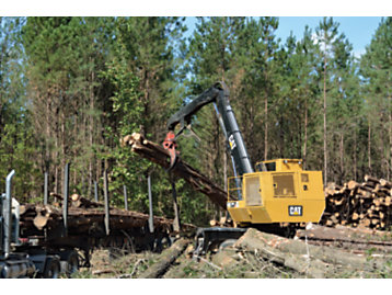 Bar Forest Products' operators like the Cat® 559C Knuckleboom Loader because it's quieter, faster, and delivers smoother performance compared to other loaders.