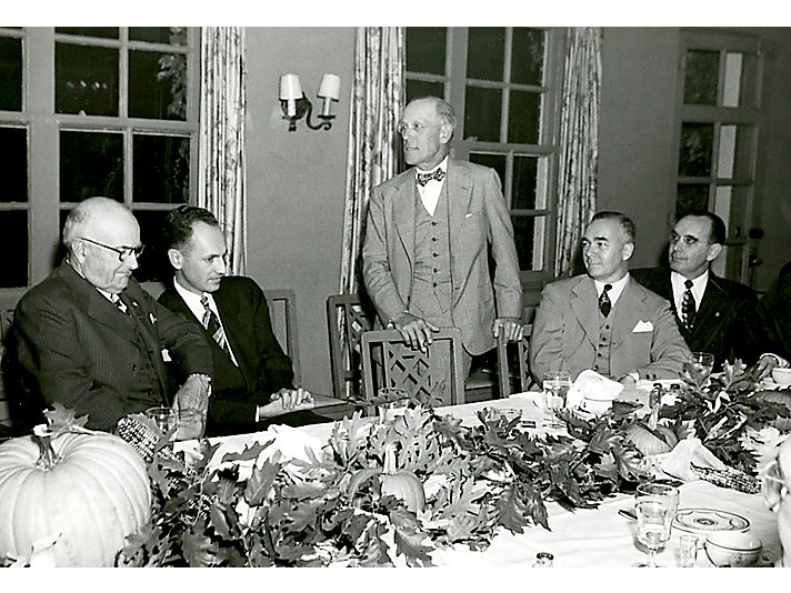 1951   H.H. Fair被任命为公司董事长