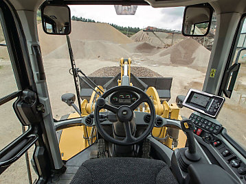 Cat 938M Small Wheel Loader cab