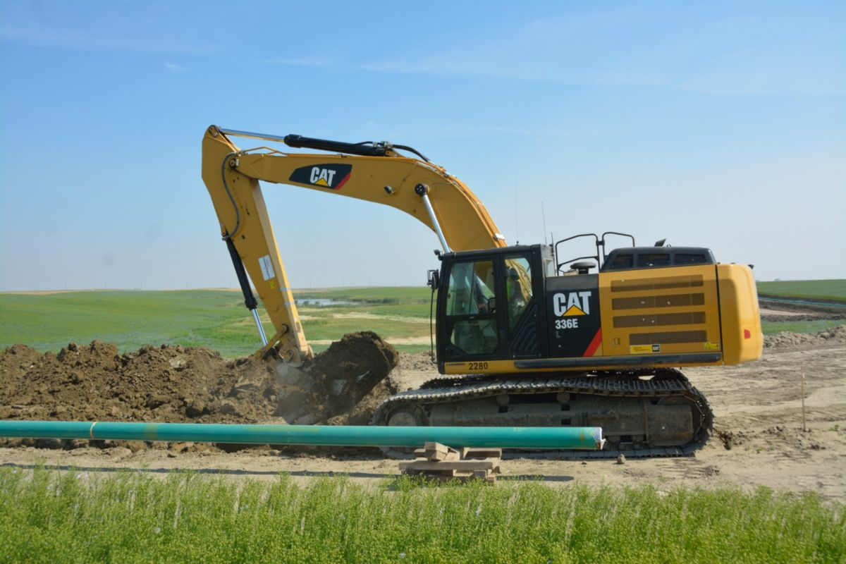 Loenbro's largest project to date was a 90-mile pipeline placing 16 inch diameter pipe.