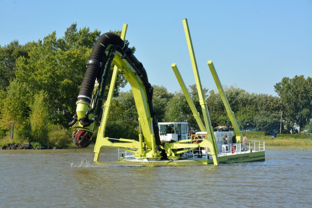 Amphibex machines, powered by Cat® engines, are specifically designed to efficiently and safely perform dredging chores in the gap between shore and deep water.
