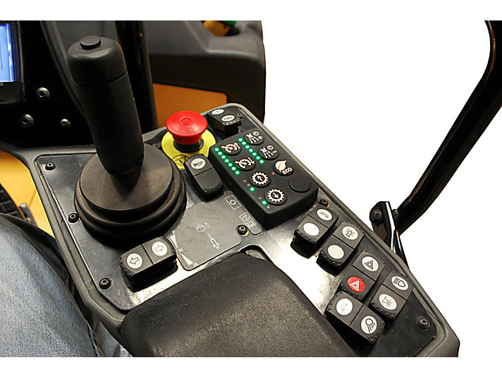 CW16 充气滚轮压路机